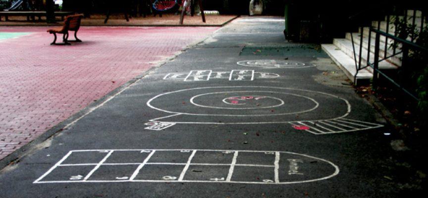 Schulhof Spiele