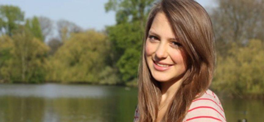Karolina Tailor protestiert gegen Mathe-Abi-Prüfung